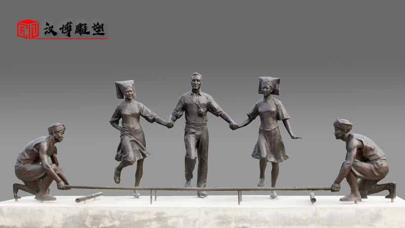 龙舟雕塑定制_广场雕塑_民族团结雕塑_人物雕塑定制_民族雕像加工